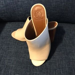 TORY BURCH CREAM MULE HEELS